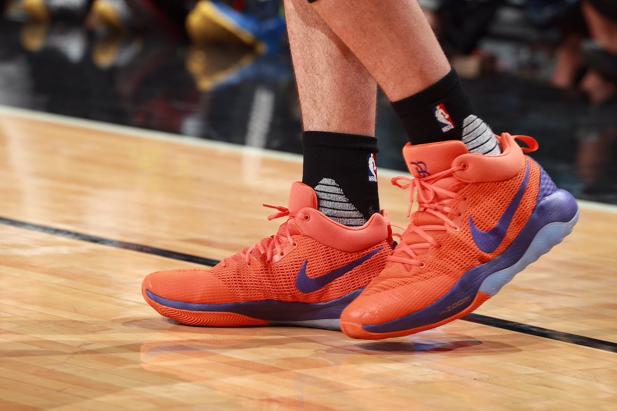 1e26f6b10145 a detailed look at the nike zoom rev 2017 pe worn by devinbook vs chicago