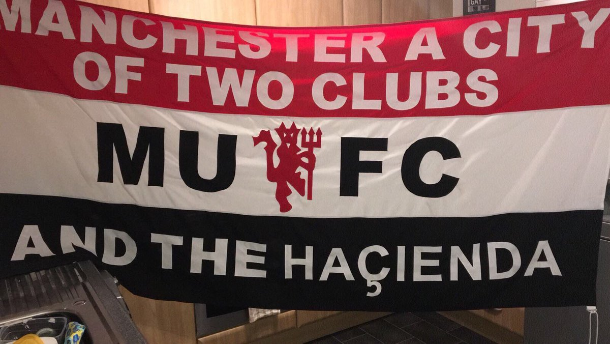 Man Utd Stuff On Twitter Brilliant New United Flag Via Flossy 99