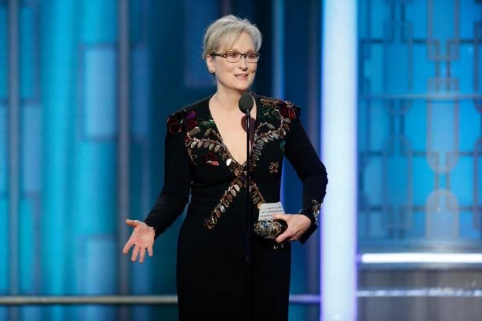 #Meryl Streep  and #Karl Lagerfeld  exchange words over her Oscars dress   No one   http://www. empowr.com/illimattic?p=B SRSZ &nbsp; … <br>http://pic.twitter.com/HpyhjVpt7M
