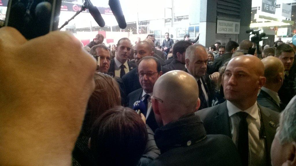 Dernier salon pour Hollande #AFP <br>http://pic.twitter.com/ffjkFzAGre