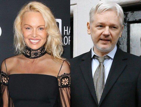 La starlette et le #geek! Pamela #Anderson et Julian #Assange s&#39;adorent et de voient! Affolement! #WikiLeaks #People  http://www. lexpress.fr/styles/vip/pam ela-anderson-confirme-les-rumeurs-sur-sa-liaison-avec-julian-assange_1882592.html &nbsp; … <br>http://pic.twitter.com/0dRICUnyUn