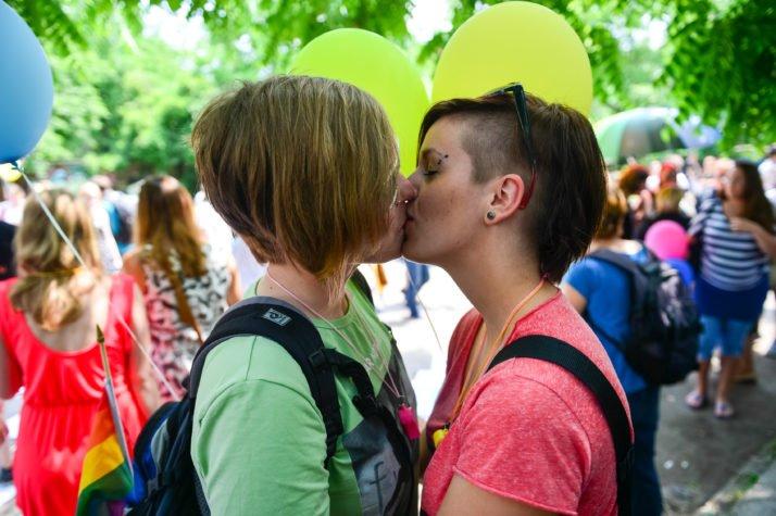 lezbijski seks twitter