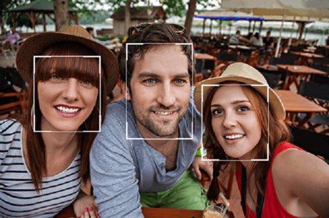 En #Chine, on paye déjà avec sa tête ! Face++! Avec l&#39;#IA #Intelligence Artificielle  http:// bit.ly/2lamuNd  &nbsp;  <br>http://pic.twitter.com/bD3pfvsSSD