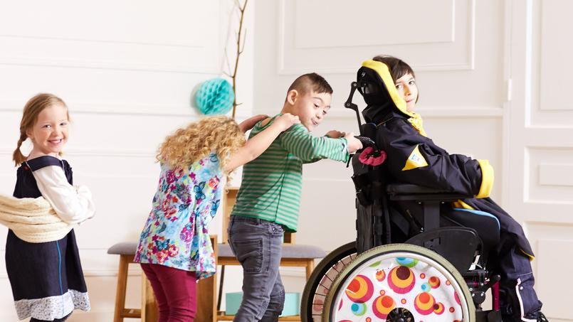 #Kiabi lance une ligne de vêtements pour les enfants handicapés ! #Mode #Handicap  http:// bit.ly/2kCI3Yk  &nbsp;  <br>http://pic.twitter.com/KLXPwjPh6p