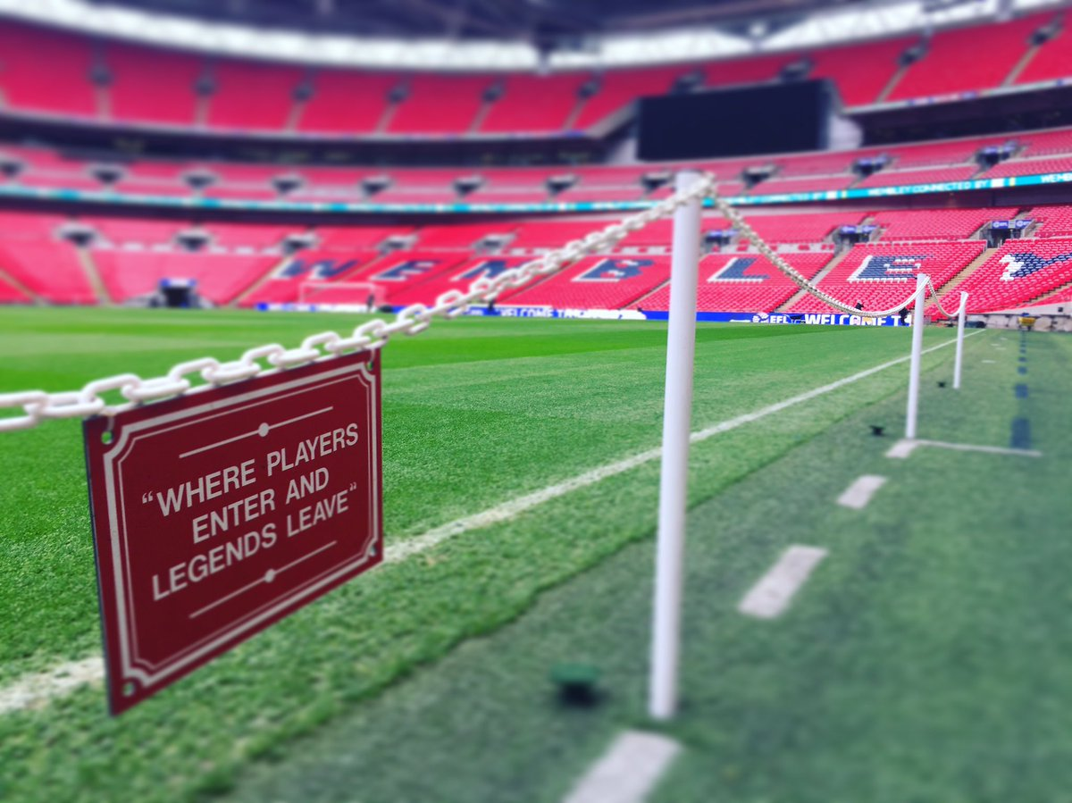 Hello Wembley. 👋  #EFLCupFinal https://t.co/wlbSjPXWU2