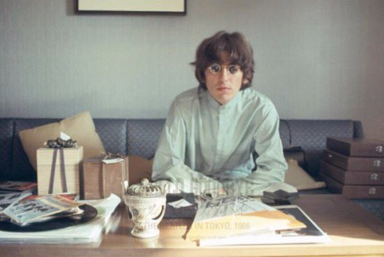 ""\""""With our love we could save the """" George Harrison... Happy birthday my love""550|368|?|en|2|c237daf811648cfe13d42b5143a0861e|False|UNLIKELY|0.29716622829437256