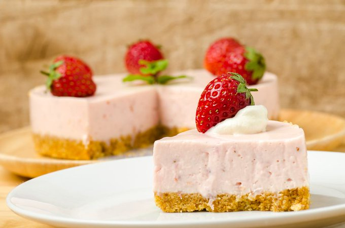 Instant Pot Easy Strawberry Cheesecake Recipe