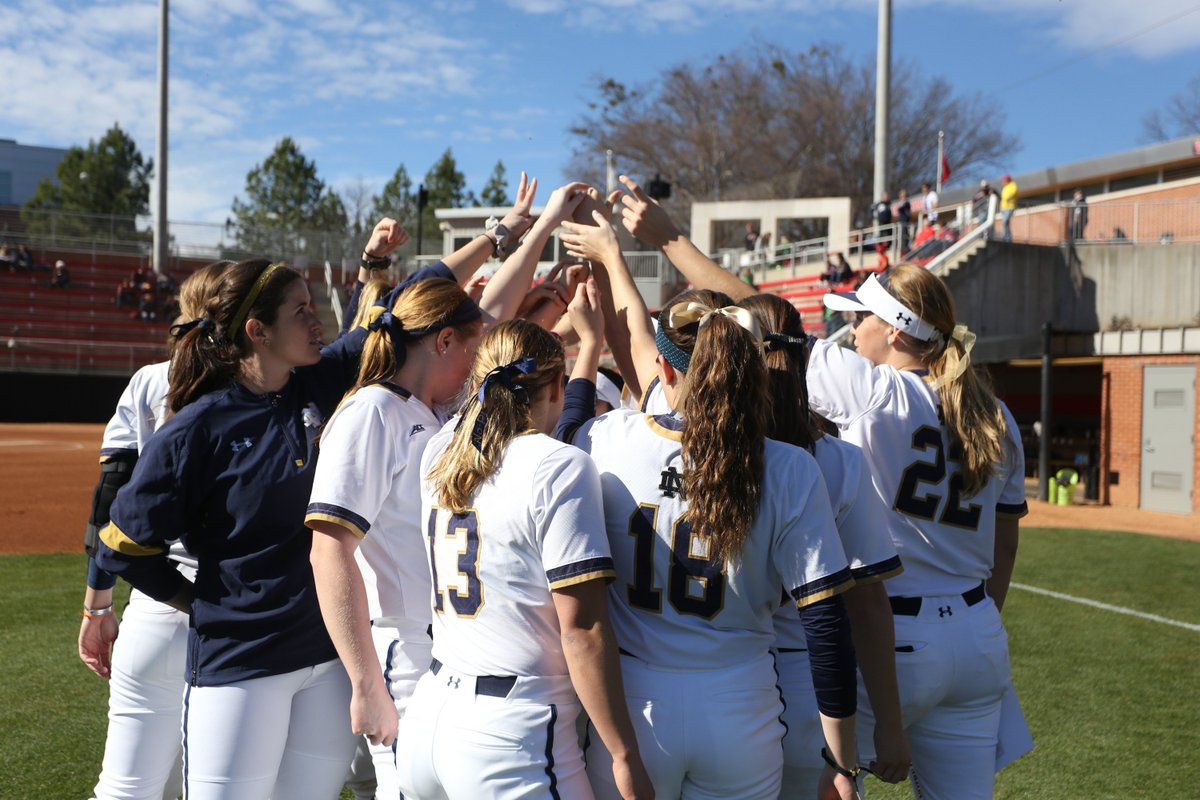 IRISH WIN!!! ND ends the weekend with a 5-4 win over defending NATIONAL CHAMPION #4/5 Oklahoma!! #GoIrish #Fighters <br>http://pic.twitter.com/OT6NFyFrWQ