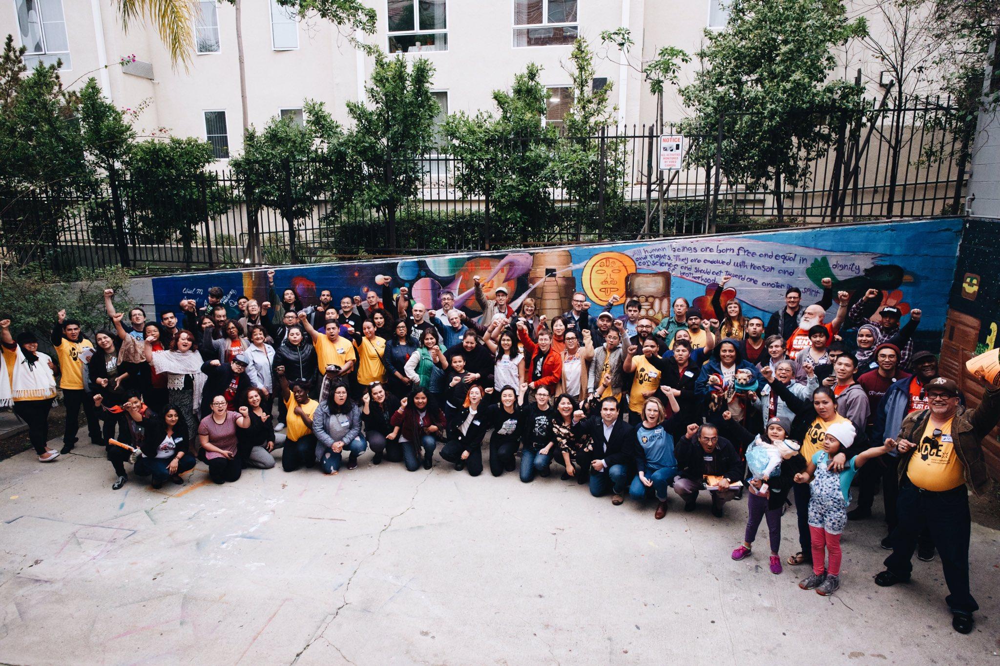California Renters Unite! #RenterPowerCA #PoderInquilinxCA #HomesForAll @CalOrganize @TenantsTogether @CausaJusta1 @LATenantsUnion https://t.co/76TbehvcSn