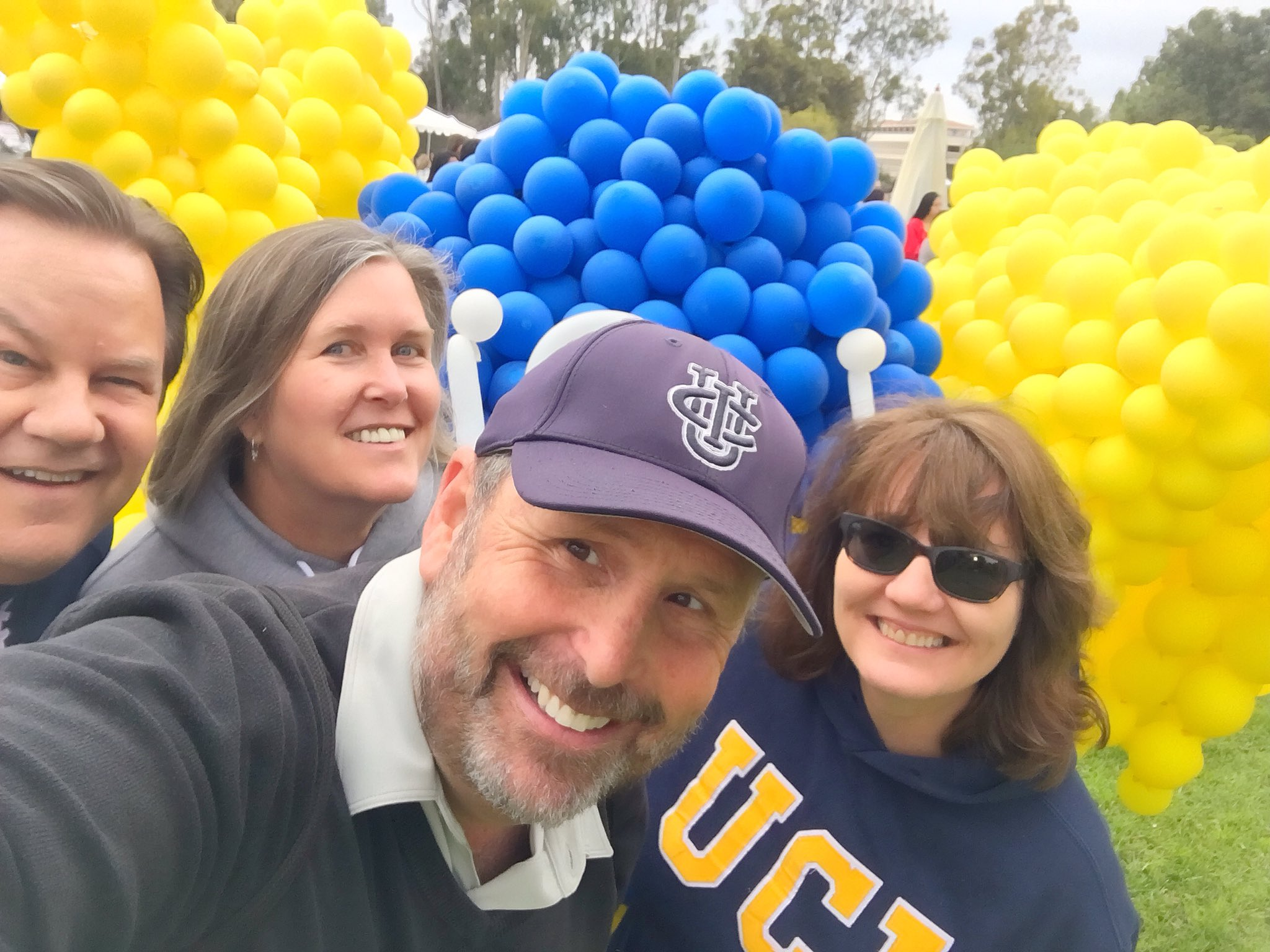 Early 80s @ucisocsci crew #UCIHomecoming #makeyourma https://t.co/dVXAuW7500