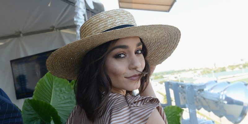 .@VanessaHudgens does not look like this anymore: https://t.co/G630NajGpP https://t.co/K2uWYaOzUl