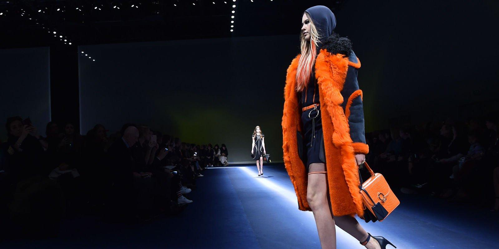 Behati Prinsloo Is Already Back on the Runway at Fashion Week https://t.co/8QoQpydPIQ https://t.co/cchjtzBQsl
