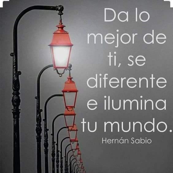 #Alegría #Luz #Amor  se pierde tanto tiempo en nimiedades que lo que es realmente verdadero se deja de ver  <br>http://pic.twitter.com/GYIvgxkkJg
