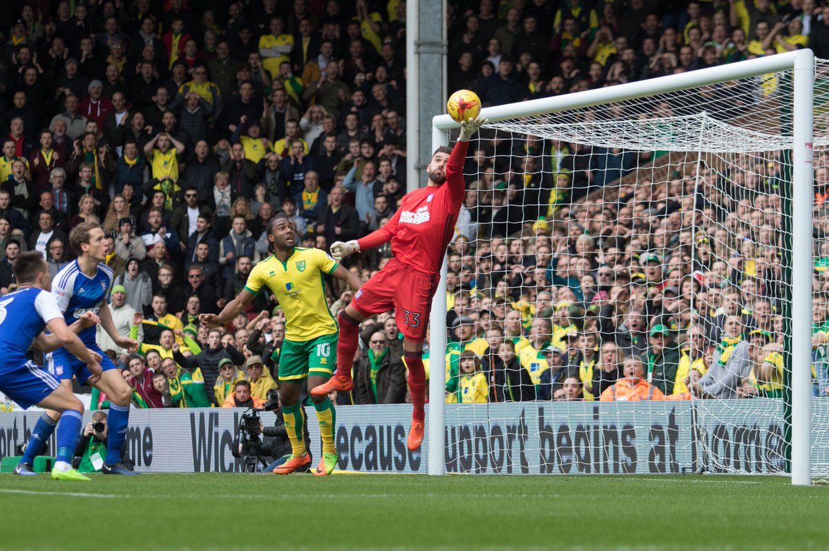 😱😱😱  Bialkowski with the save of the match so far, tipping the ball su...