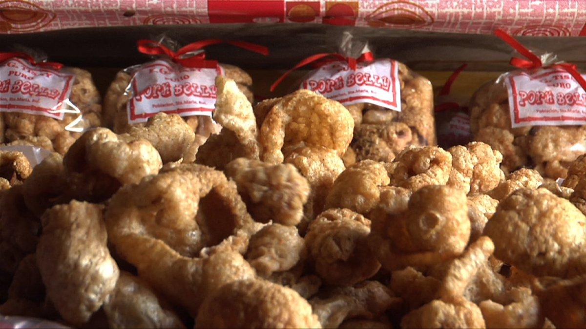 RT this tweet kung paborito mo ring snacks ang chicharon! Kain tayo, m...