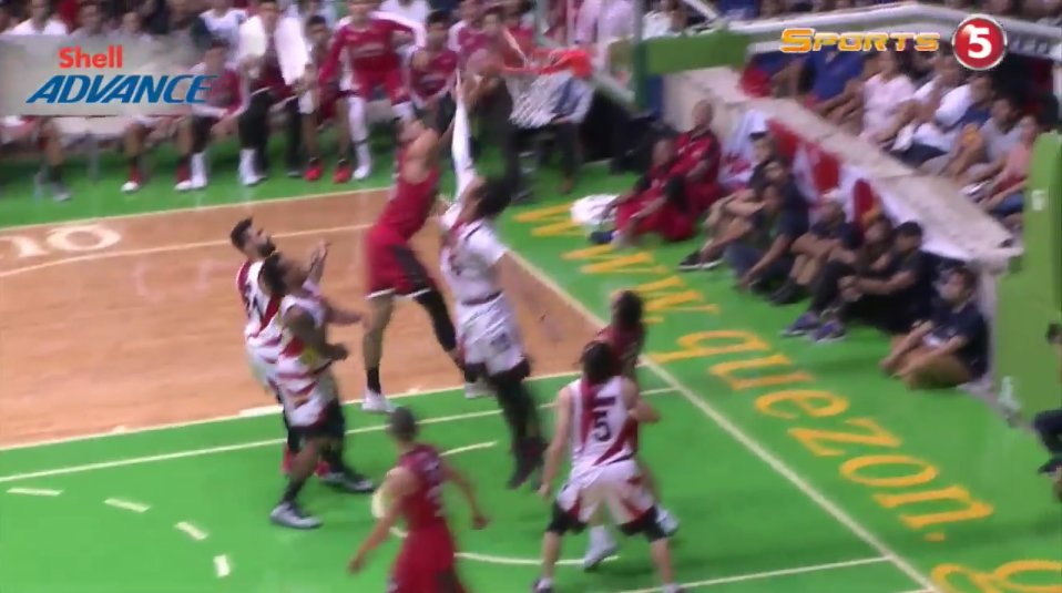 WHAT. A. THROWDOWN.  #PBAFinals https://t.co/bRROUM5uPq