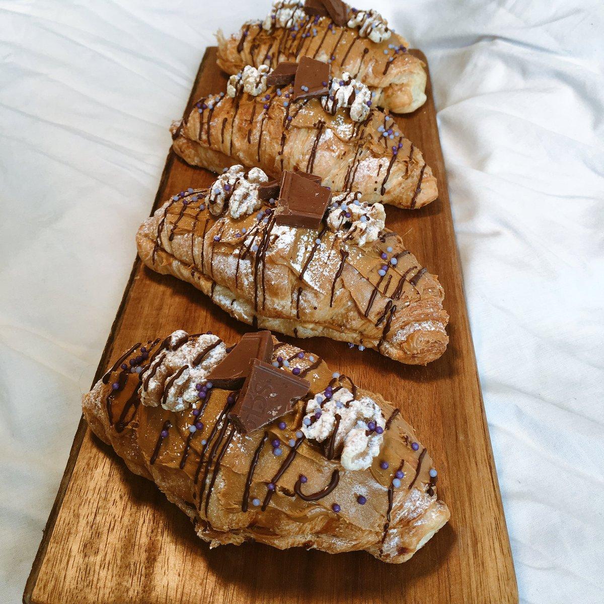 Salted Caramel, Chocolate & Walnut Croissants #SundayFunday https:...