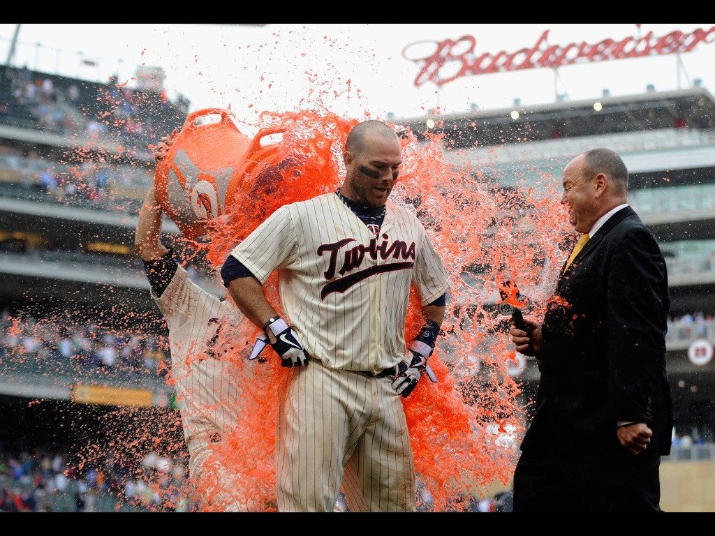 &quot;Minnesota Twins catcher #Ryan Doumit and his Gatorade-repellant uniform&quot; #cool #funny #pics #perfect<br>http://pic.twitter.com/VBqo14XLYO