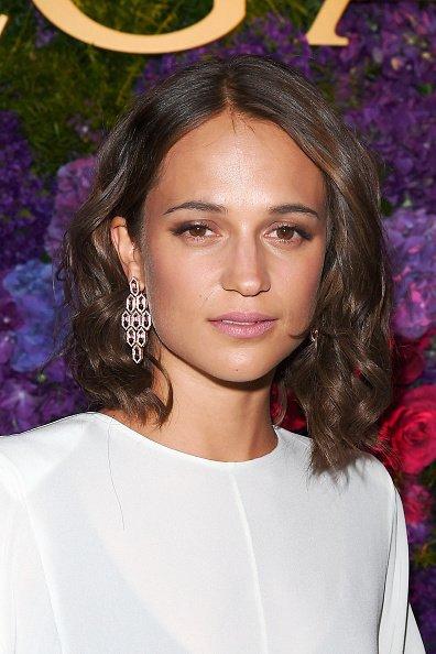 #NEW | Alicia Vikander at the Bvlgari Pre-Oscar Dinner at Chateau Marmont, 25.2.17 #aliciavikander<br>http://pic.twitter.com/BmWQHRnCAJ