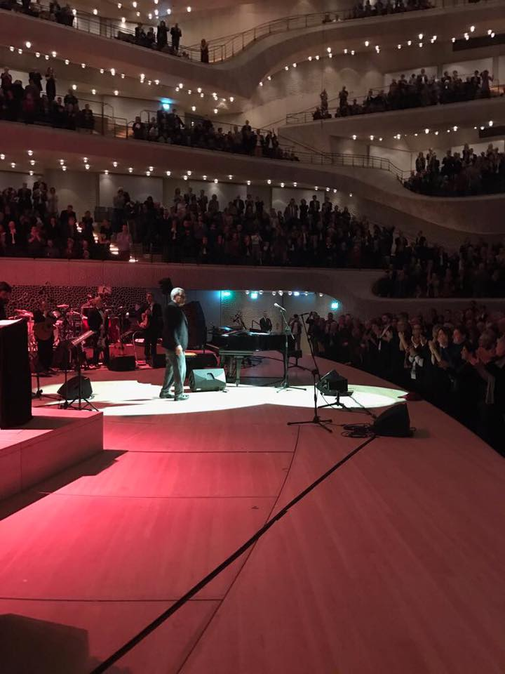 Thanks to my lively audience #Hamburg @elbphilharmonie #PaoloConte #to...
