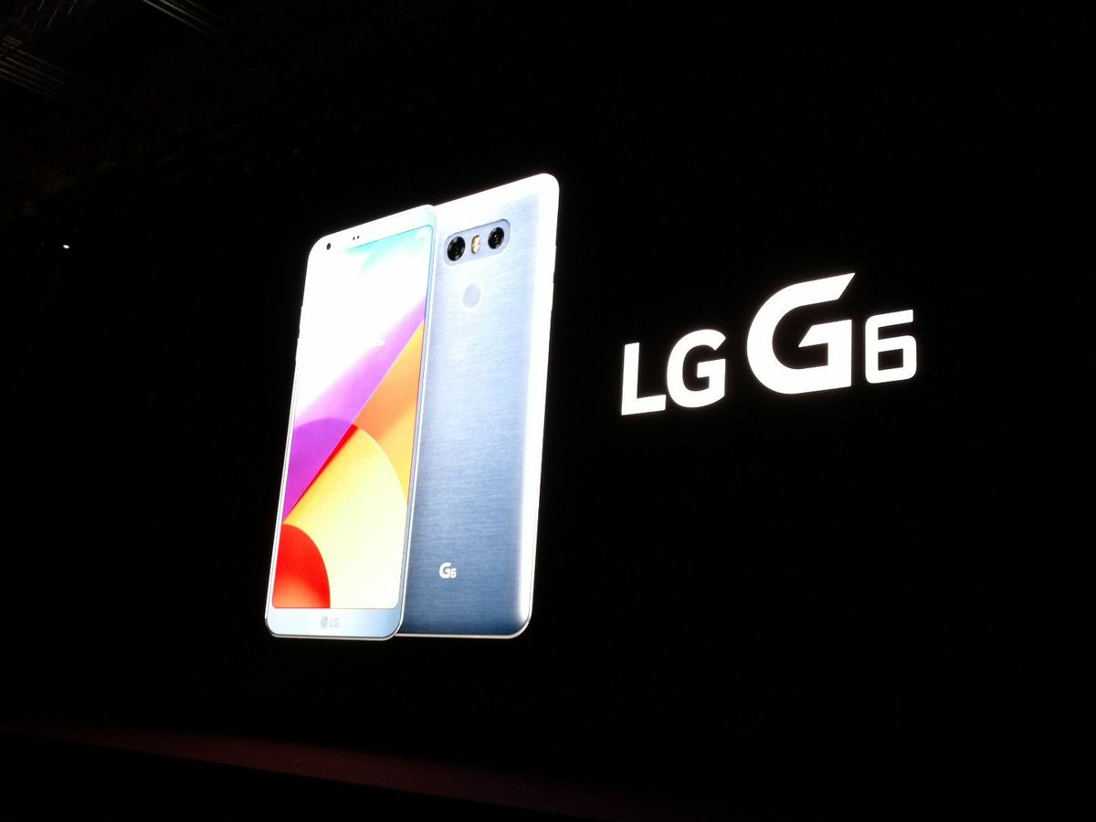 Behold,  the #LGG6.  A big screen that fits in your hand. https://t.co...