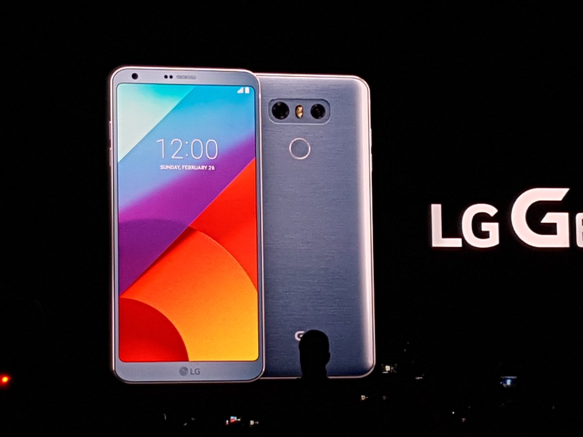 #LGG6 officially revealed at #mwc17 https://t.co/jUGsKQ7nvD