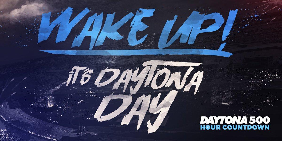 Awww yeah! #DaytonaDay https://t.co/j2qgWsLhi3