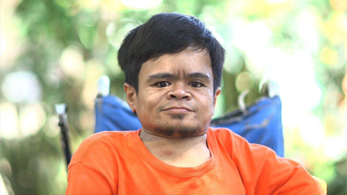 Positibo lang ang pananaw ni Erwin sa buhay. Sa pagtitiyaga niya, naka...