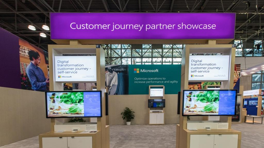 Experience how Digital Transformation is reinventing the customer shopping journey.  http:// msft.social/qDUw0x  &nbsp;   #retail <br>http://pic.twitter.com/noGVdtMmZ6