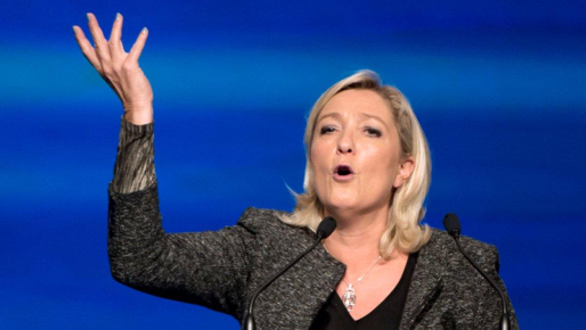 DIRECT VIDÉO - Suivez, tout de suite, le meeting de Marine Le Pen à #N...