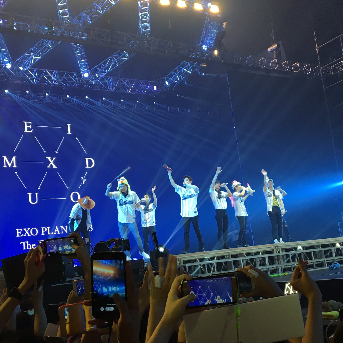 #EXOrDIUMinManilaDay2 was a blast!!! First concert ko 'to and i feel i...