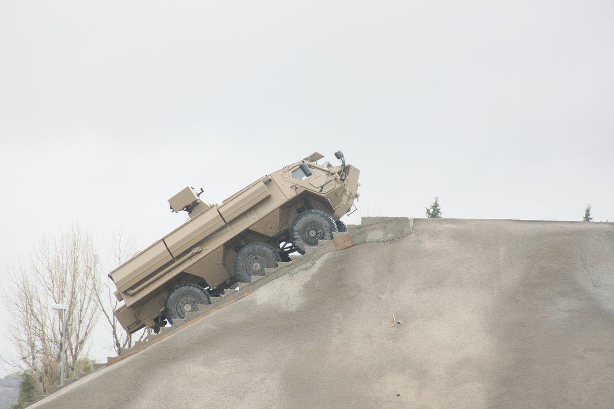 المانيا تعطي الضوء الاخضر لبناء مصنع لتجميع عربات فوكس Fuchs العسكريه في الجزائر  C5mZ3FbWQAAKn2R