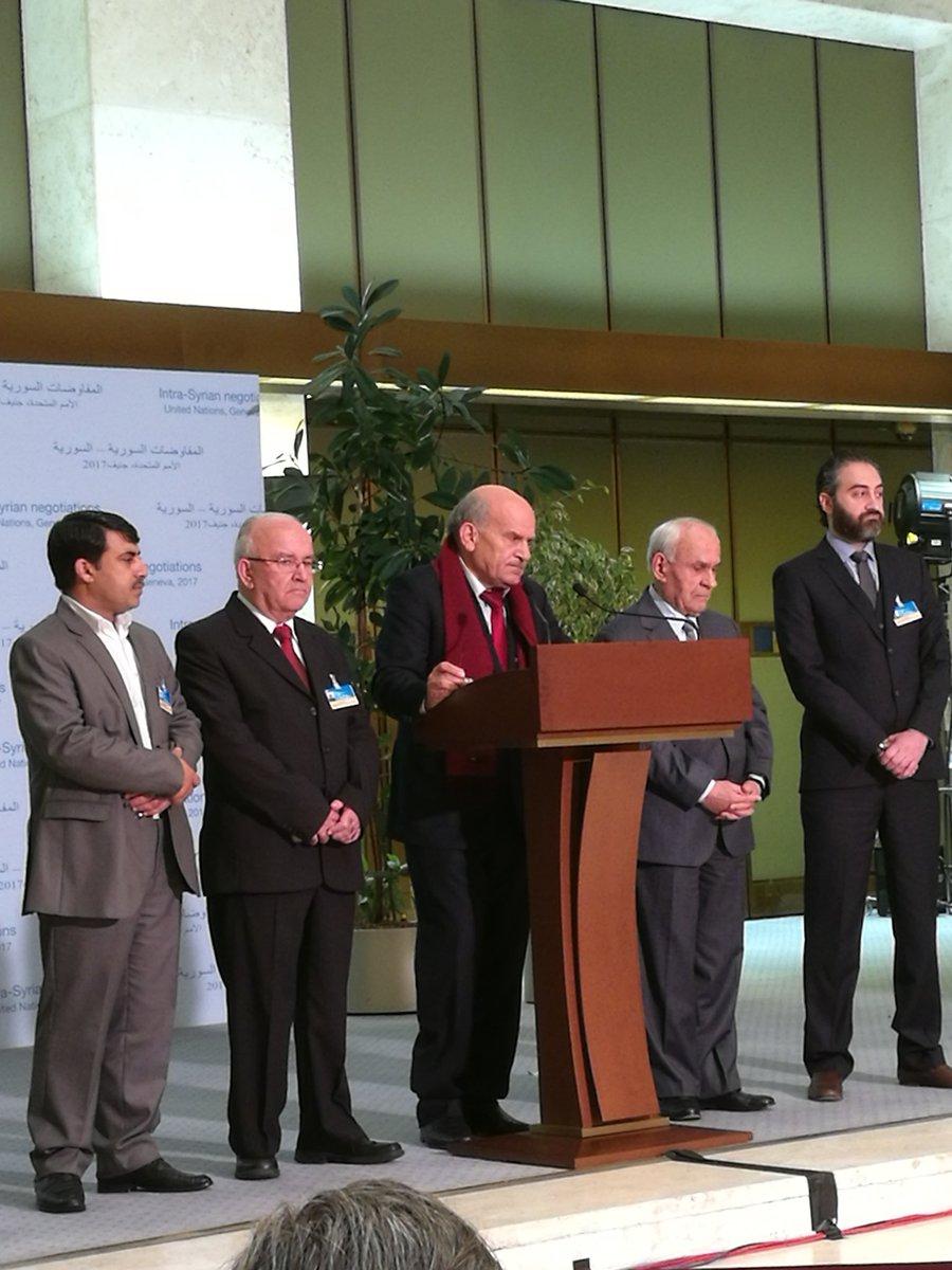 #SyriaTalks @UNGeneva head Moscow platform #MonzerHamza after meeting #deMistura Time 4 serious &amp; direct #negociations btw gvt &amp; opposition <br>http://pic.twitter.com/0TW69iMcfc