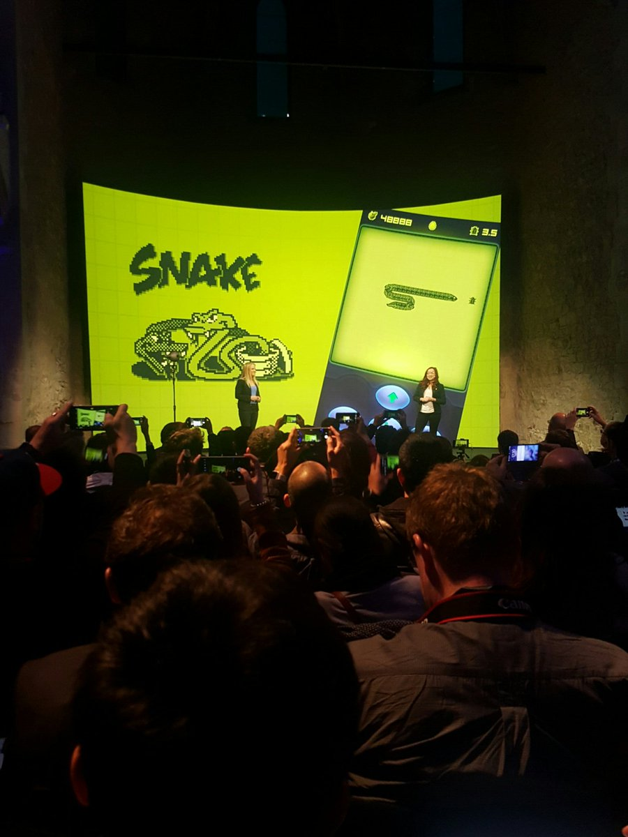#nokia @nokiamobile #MWC #snake is back https://t.co/0Dz5VhuIef