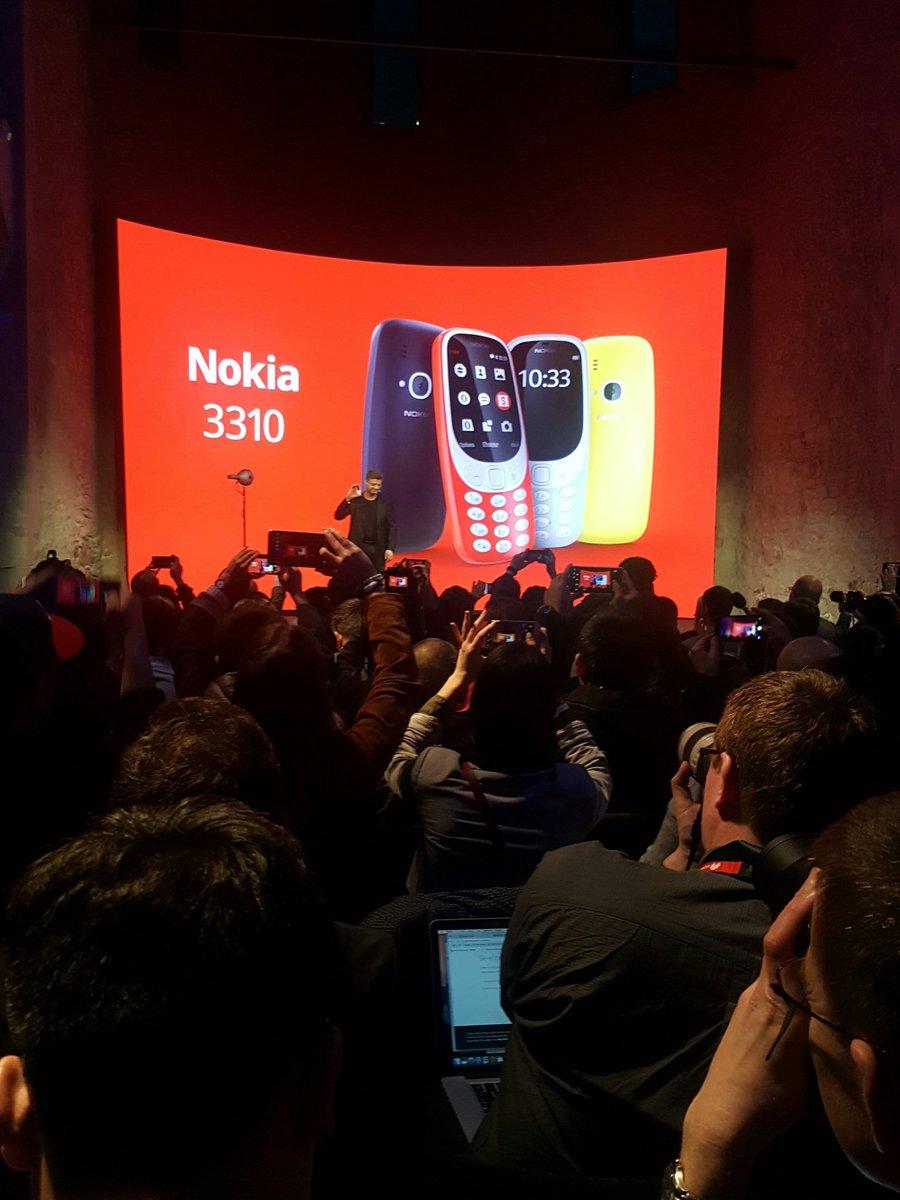 @nokia @nokiamobile #nokia #MWC 3310 snake, Nokia ringtone, 1 month standby. #emotional https://t.co/Jxqkr7fceO