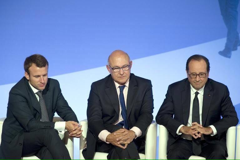 Voter #Macron c&#39;est voter pour que dure la gabegie socialiste !   Déjà 5 ans de perdu avec Hollande ..   #FillonPrésident <br>http://pic.twitter.com/dGmTEyBdMD