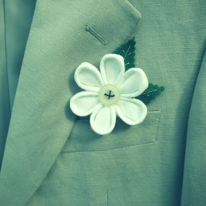 How To Make Wedding Buttonholes