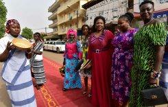 #La femme africaine à l&#39;honneur pour le film d&#39;ouverture du Fespaco -  http:// maliactu.net/la-femme-afric aine-a-lhonneur-pour-le-film-douverture-du-fespaco/ &nbsp; …  @maliactu<br>http://pic.twitter.com/utZKzOHNtL