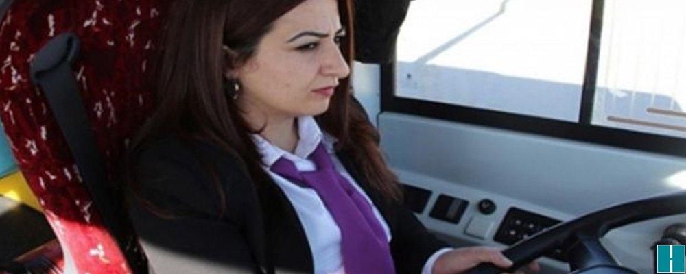 Kayyım, kadın otobüs şoförlerinin işine son verdi  https://t.co/DFnFLH...