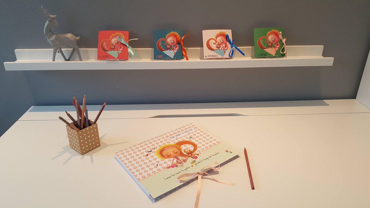 &#39;Mademoiselle Tétine&#39;  http://www. facebook.com/MademoiselleTe tine/?fref=ts &nbsp; …  , magnifique magasin à Aubel, est un de nos nouveaux points de vente. #LoulouZen #Happy !  <br>http://pic.twitter.com/YtTUJBcOJT