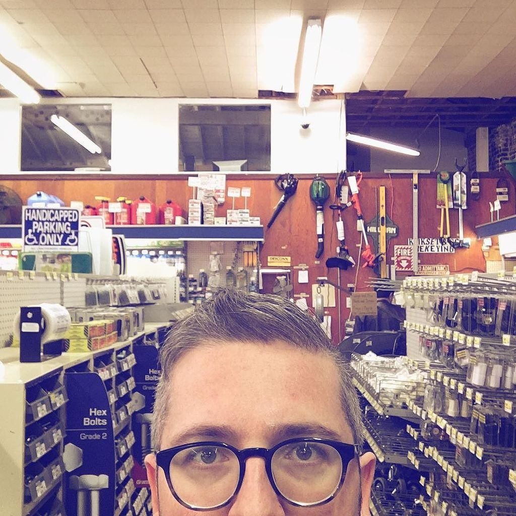 #PQlking buying paint in the grumpy hardware store.  http:// ift.tt/2lKv4Eg  &nbsp;  <br>http://pic.twitter.com/1wIhVv532Y