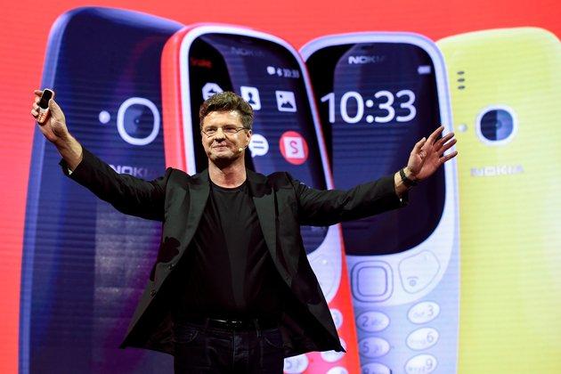 È tornato il Nokia 3310: super batteria, resistente e con Snake (gioco del serpente)