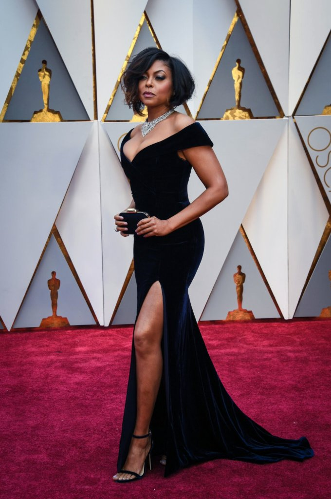 An #Oscars red carpet moment with @TherealTaraji https://t.co/dSNhPsK1...
