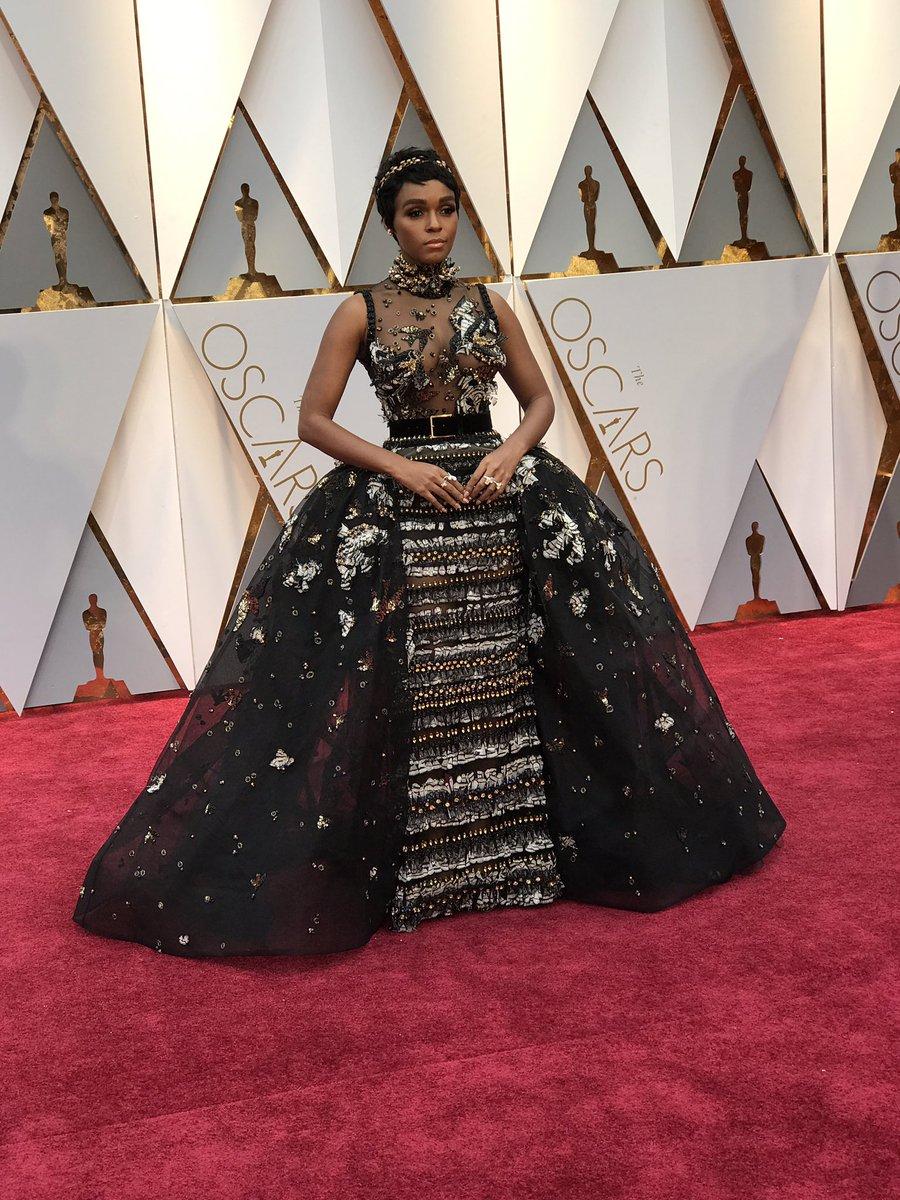 Janelle Monae is here for you #Oscars https://t.co/SSp1ZbgV1c