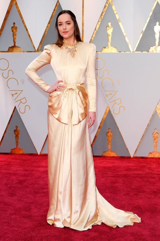 In love with Dakota Johnson's Gucci gown #Oscars https://t.co/i3IlZT5w...