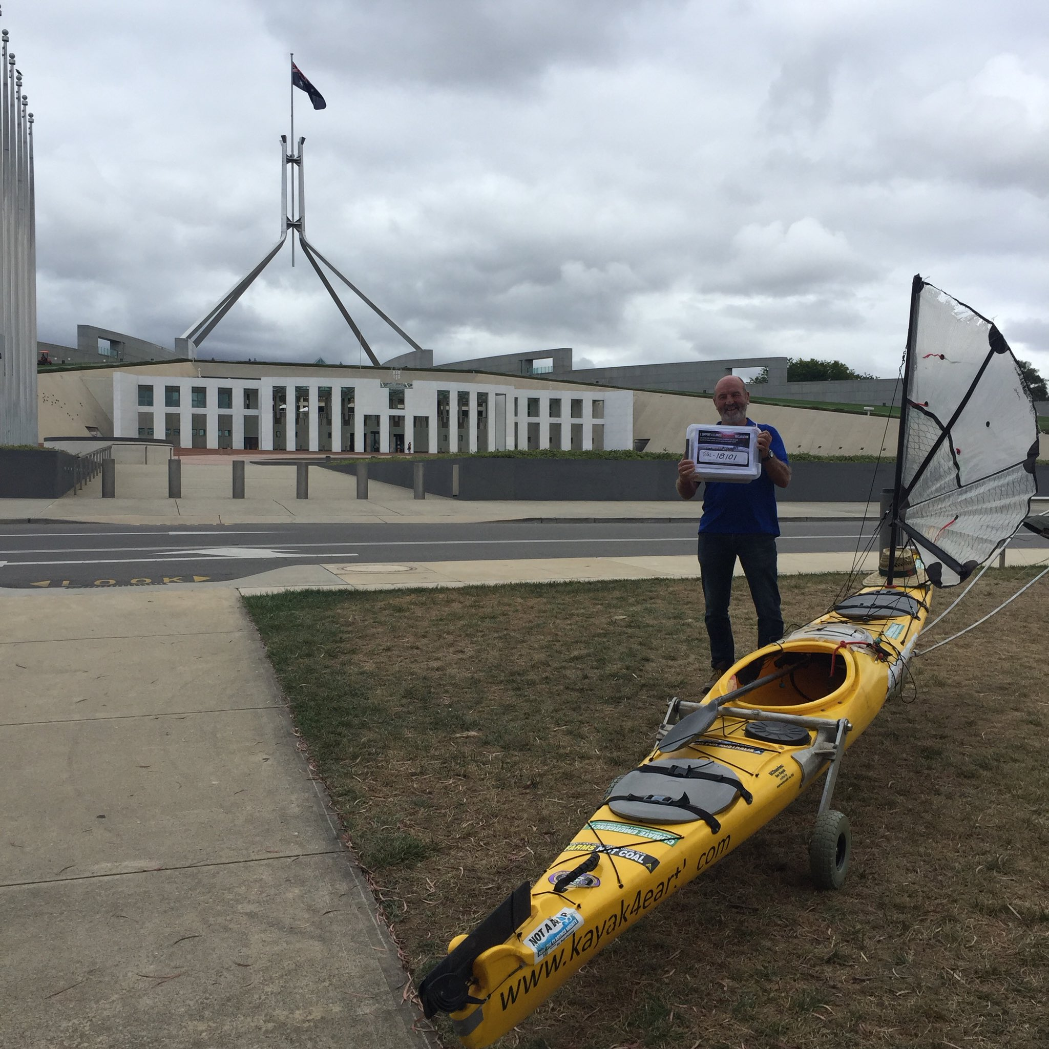 .@kayak4earth ready to hand over >18,000 signatures so far calling for a #ClimateEmergencyDeclaration.  #auspol https://t.co/N9N9mrebf2