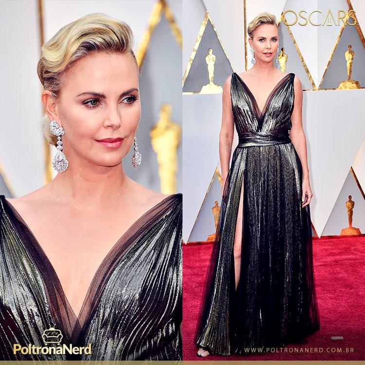 A linda Charlize Theron no tapete vermelho do #Oscars #Oscars2017 http...