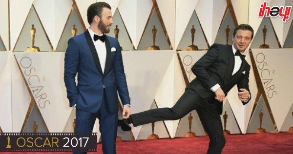 La Guerra Civil llegó a los #Oscars: Chris Evans y Jeremy Renner en la...