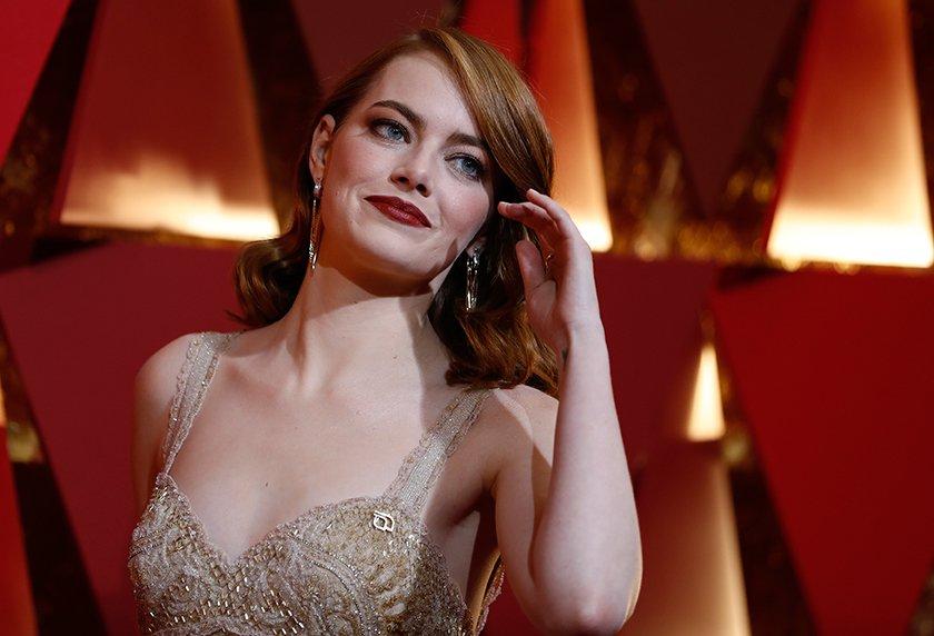 "'Hola amigos, no soy la 🐱, soy Emma y he venido a ganar""  We❤️Emma Stone #Oscar2017 https://t.co/huHoCaU7oU"