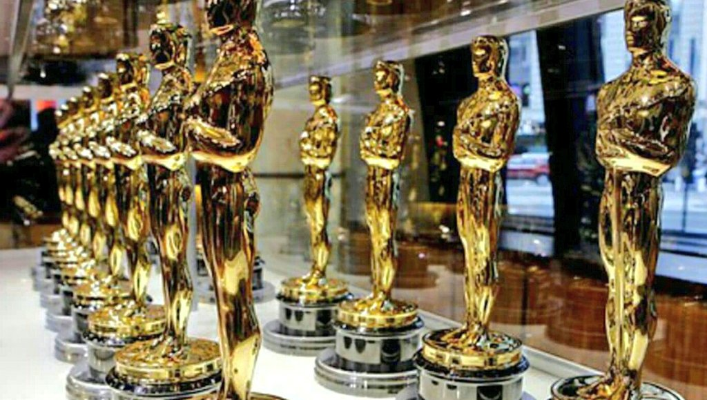 RETWEET🛇 if you have NO intention of watching Hollywood blowhards bash our President at the #Oscars  #MAGA #tcot #FoxNews #BoycottOSCARS<br>http://pic.twitter.com/BBLADQdTd9